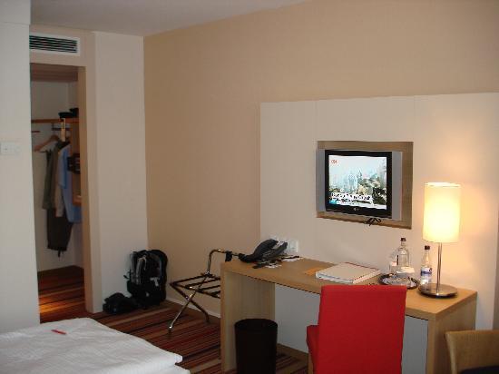 Ramada Hotel Bochum: Room