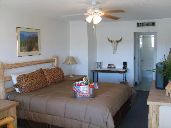 Fort Verde Suites: This is a pic of the wonderful rooms.