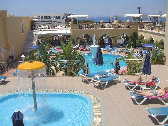 Pefkos Beach: the pools and roof top restaurant