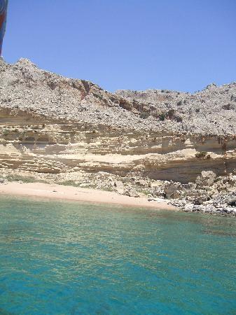 Pefkos Beach: red beach