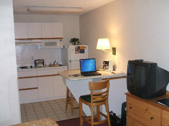 Extended Stay America - Seattle - Bellevue - Factoria: hotel_inside2