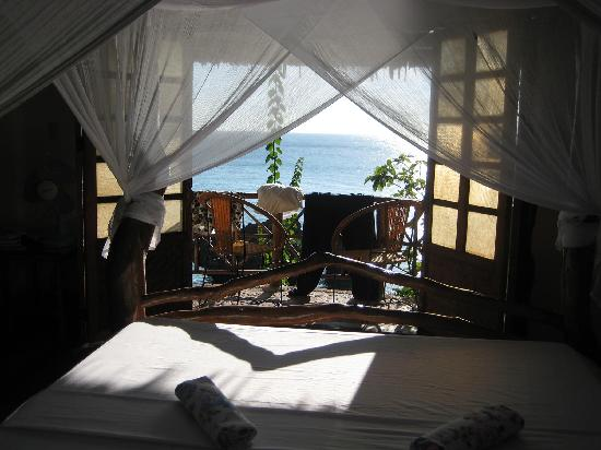 Baling Hai Beach Resort: our room
