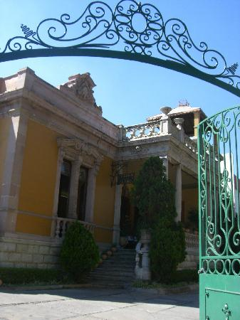 La Casona Del Llano: Main entrance