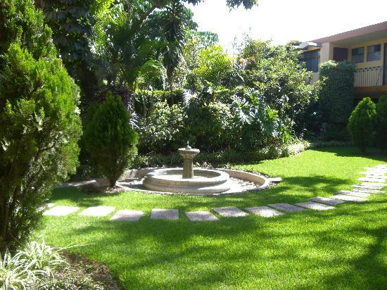 La Casona Del Llano: The garden