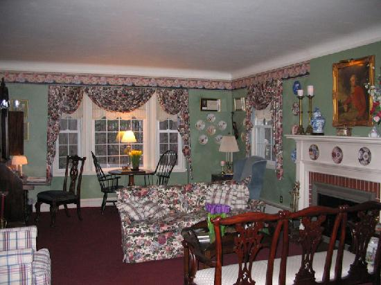 Gray Goose Inn: Sitting Room