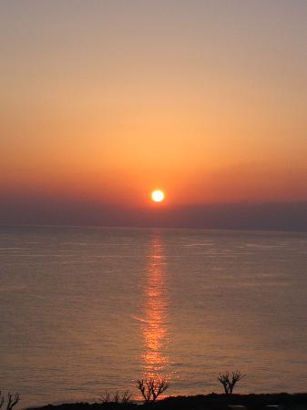 Pernera Beach Hotel : Sunrise from balcony
