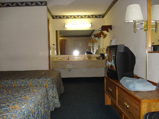 Super 8 Brownsburg: Motel 6 Brownsburg, In