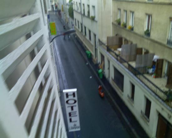 Hotel de l'Aveyron: Quiet street
