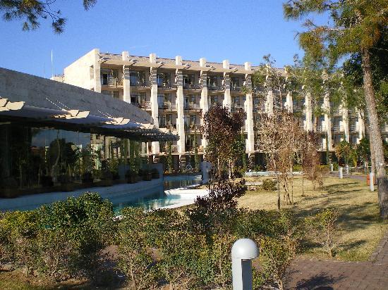 Gloria Serenity Resort: Das Hauptgebäude von vorne