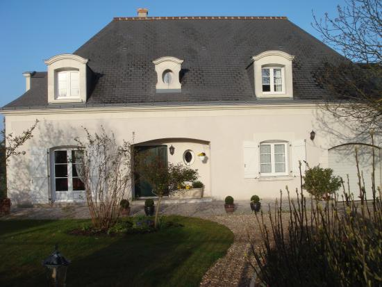 Les Hautes Gatinieres: front of house