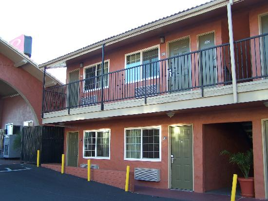 Rodeway Inn Lemon Grove: the outside