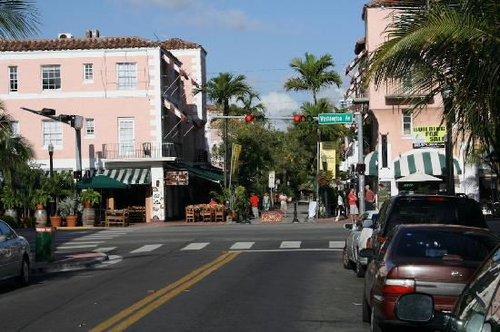 collins avenue picture of the kent hotel miami beach. Black Bedroom Furniture Sets. Home Design Ideas