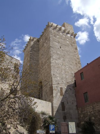 Cagliari, Italie : st pancrazo tower