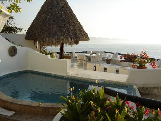 Ocho Cascadas: Villa 3 pool and sundeck