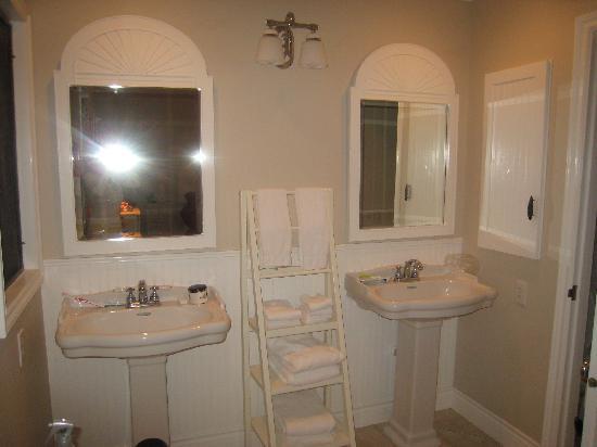 Aston at Poipu Kai: Unit 115/Master Bathroom