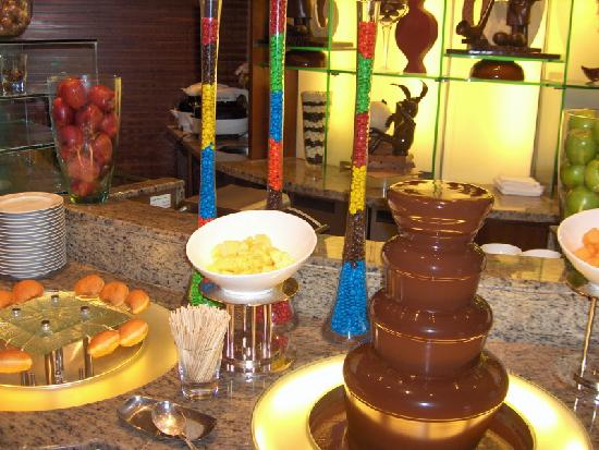 Cordis, Hong Kong at Langham Place: Breakfast Fondue