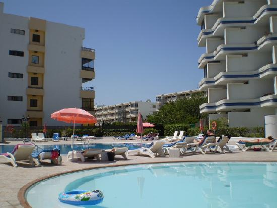 Tamaran Apartments : Pool