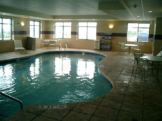West Bend, WI: Pool Area (Hot tub off to right)