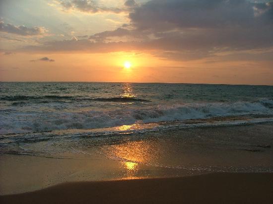 Garden Beach Hotel: Sonnenuntergang