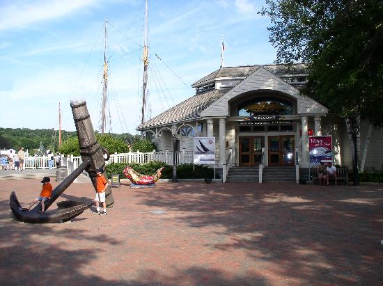 Mystic Seaport: Enterance
