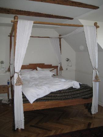 Bertrams Guldsmeden - Copenhagen: Double bed in our nice room