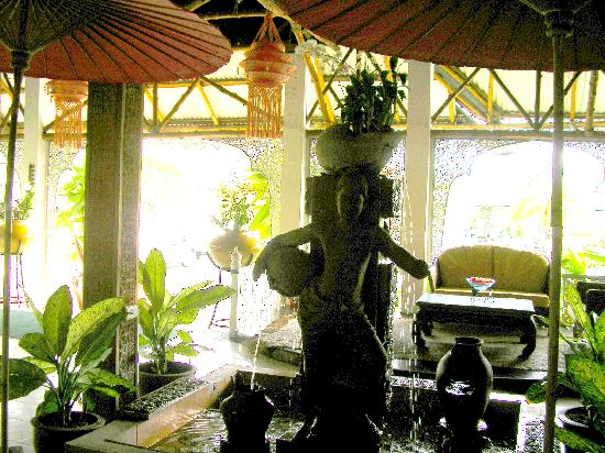 Thai Garden Resort: lobby view