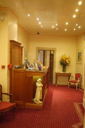 Hotel Bonaparte: Hotel Lobby
