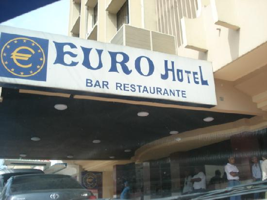 Euro Hotel: fachada