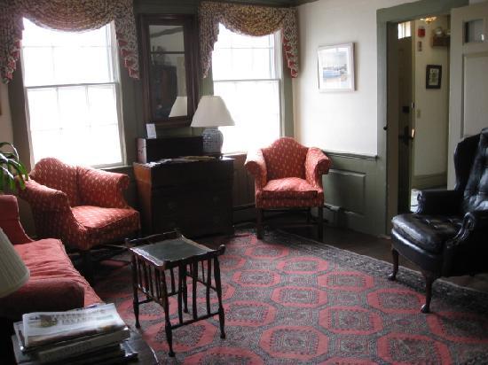 Anchor Inn: small sitting room