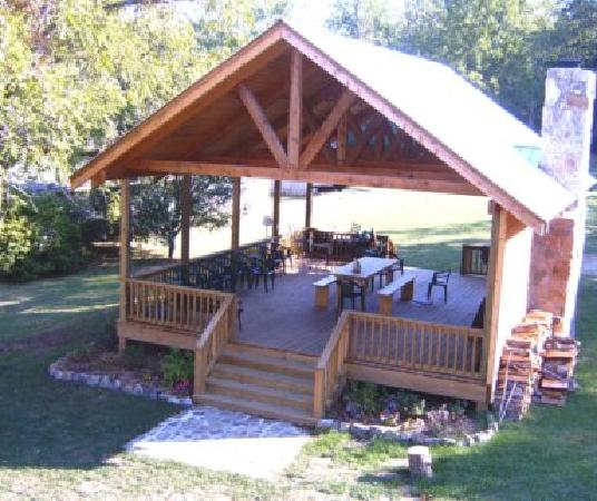 the new pavilion at the mentone inn