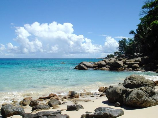 Glacis, Seychelles: right view from our beach
