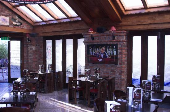 The Porterhouse Inn: restaurant area