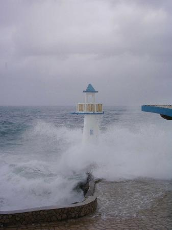 Negril Escape Resort & Spa: Stormy weather2