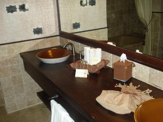 El Convento Boutique Hotel : Bathroom