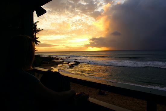 The Napili Bay: sunset on the lanai