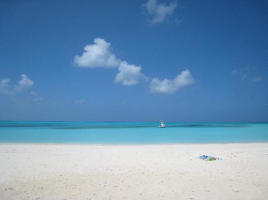 كاب سانتا ماريا بيتش ريزورت: Sand, Sea, and Sky