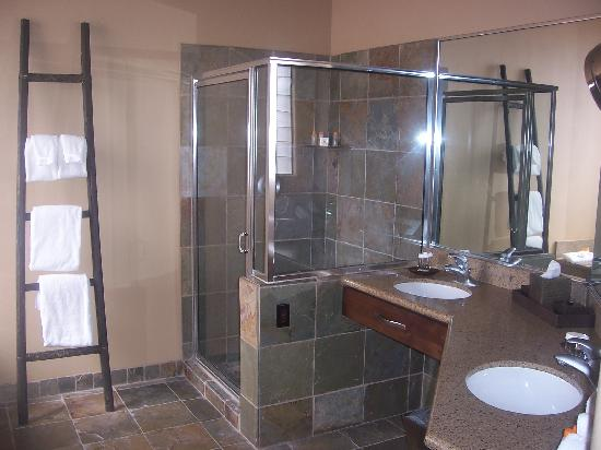 Red Mountain Resort: Villa Suite bathroom