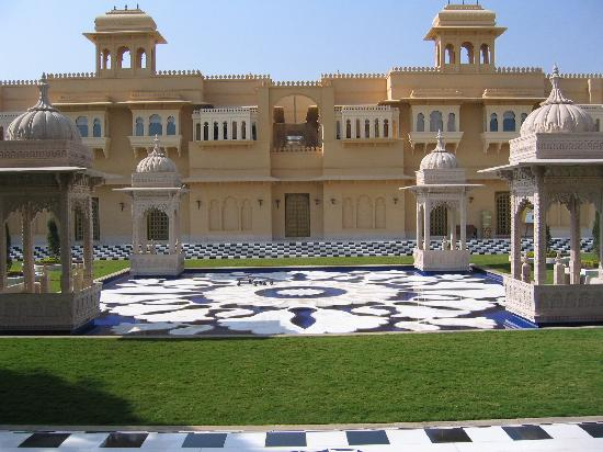 The Oberoi Udaivilas: Resort view upon First Entry