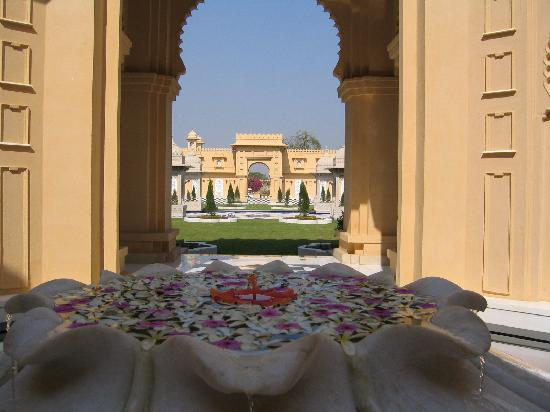 The Oberoi Udaivilas: Resort view upon exiting