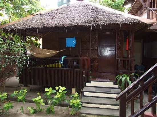 Orchids Resort: Our Nipa Hut at Orchids