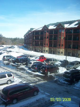 Wilderness Resort : View of Glacier Canyon Lodge from the skywalk.