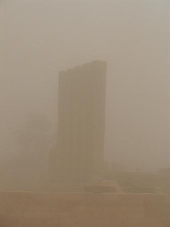 Marib - sand storm around Bilqis throne