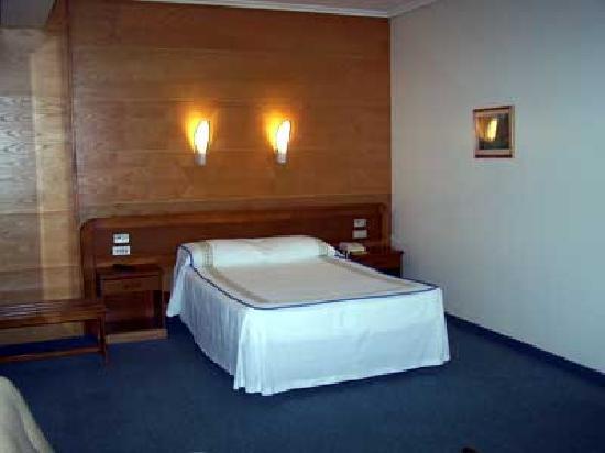 Hotel Colon Tuy: habitación matrimonio