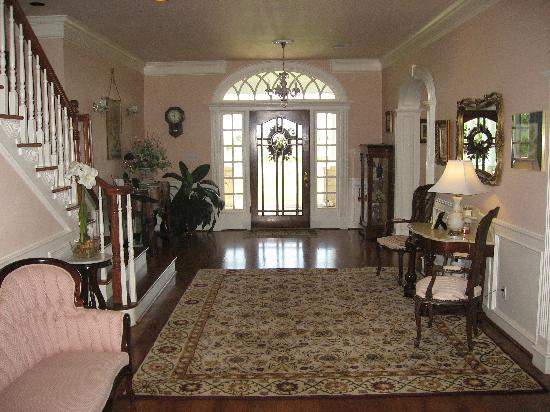 Lillian Farms Country Estate: Foyer