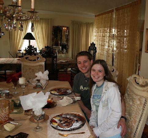 Hemingways By the Sea Bed and Breakfast Inn: Breakfast at Hemingways!  French toast