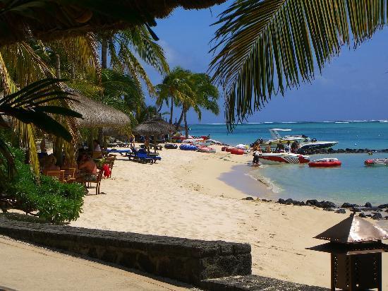 Beachcomber Paradis Hotel & Golf Club: The beach