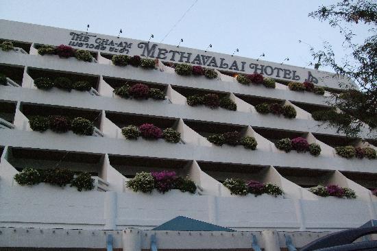 Cha-Am Methavalai Hotel: Hotel Outlook