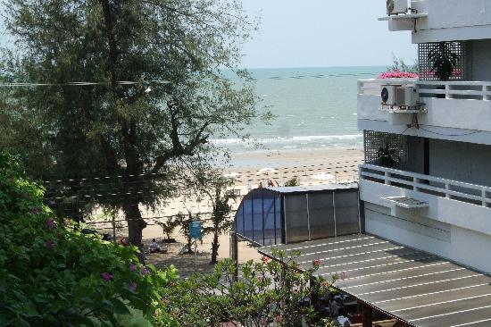 Cha-Am Methavalai Hotel: Sea View from room balcony