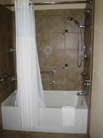 Staybridge Suites Las Cruces: Bathroom