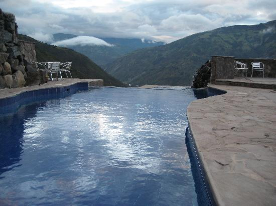 Luna Runtun, Adventure SPA: Main Pool